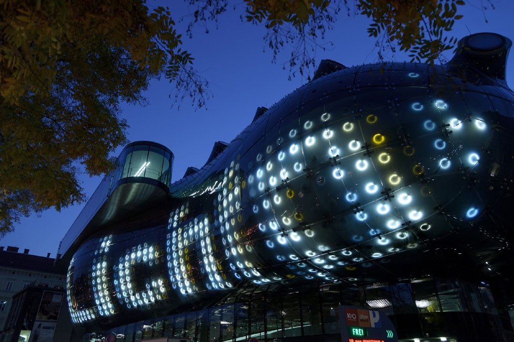 The Friendly Alien The Kunsthaus Graz By Peter Cook