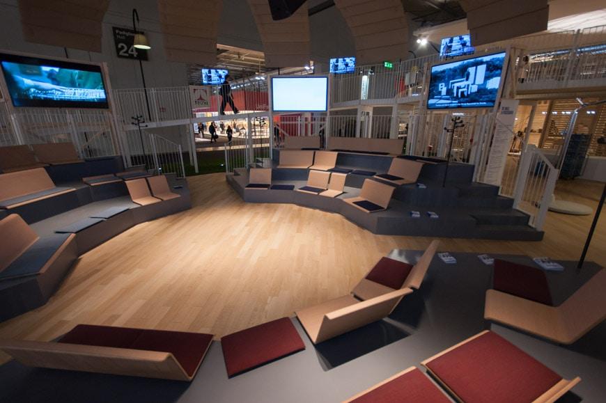Salone del mobile milano la passeggiata di de lucchi for Mostra del mobile milano