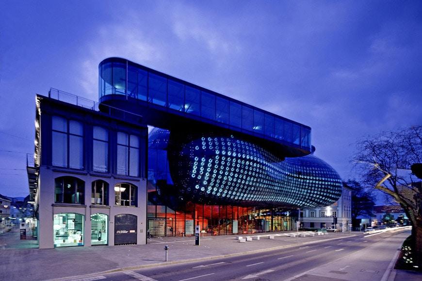 Kunsthaus Graz from Lendkai street Cook Fournier