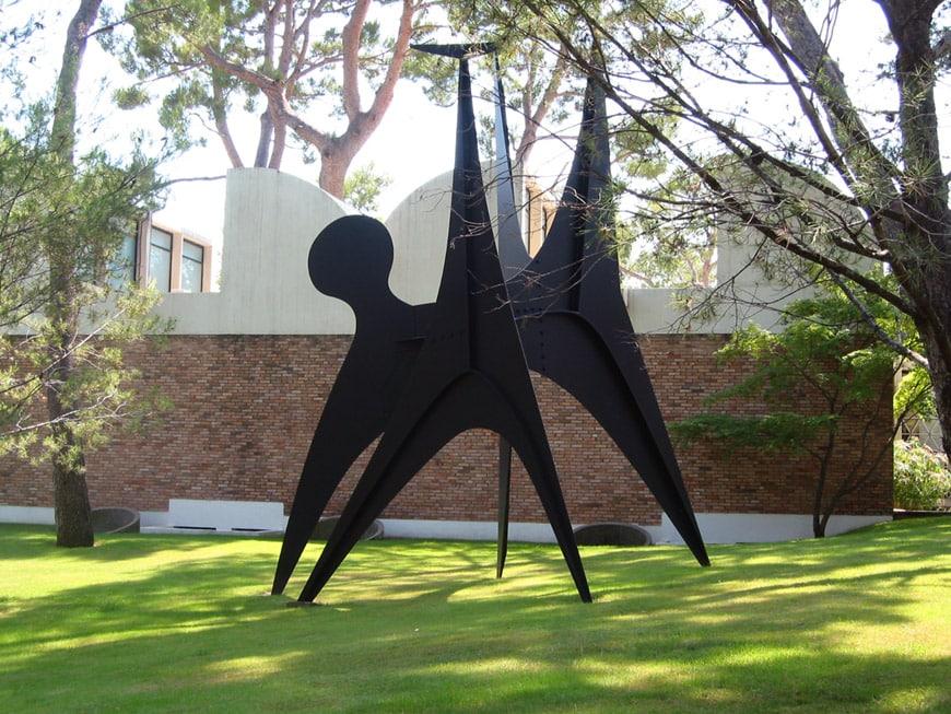 Fondation Maeght Saint-Paul de Vence Alexander Calder sculpture 1