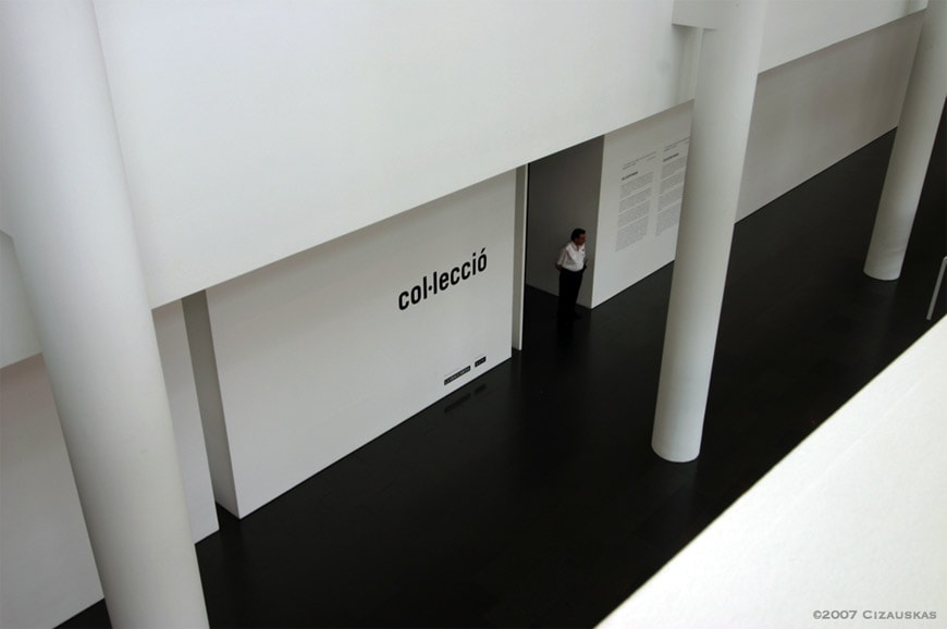 Macba-Barcelona-interior-view-photo-Cizauskas