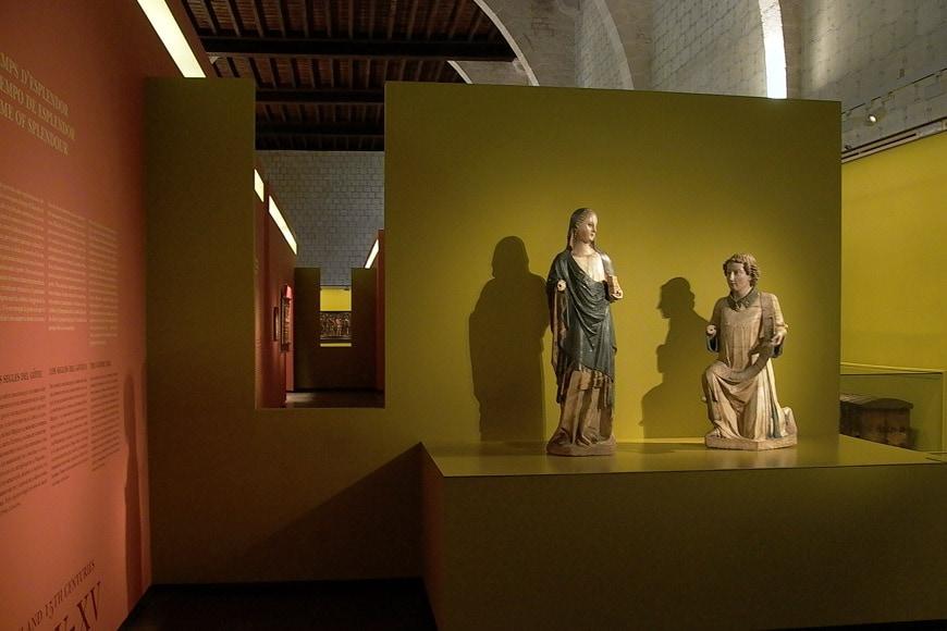 Monestir-Pedralbes-Barcelona-interior-Inexhibit-2006