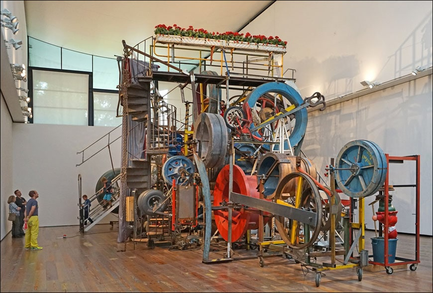 museum-tinguely-basel-sculpture-in-the-hall