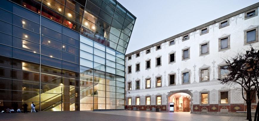 Il cccb centro di cultura contemporanea di barcellona for Architettura contemporanea barcellona