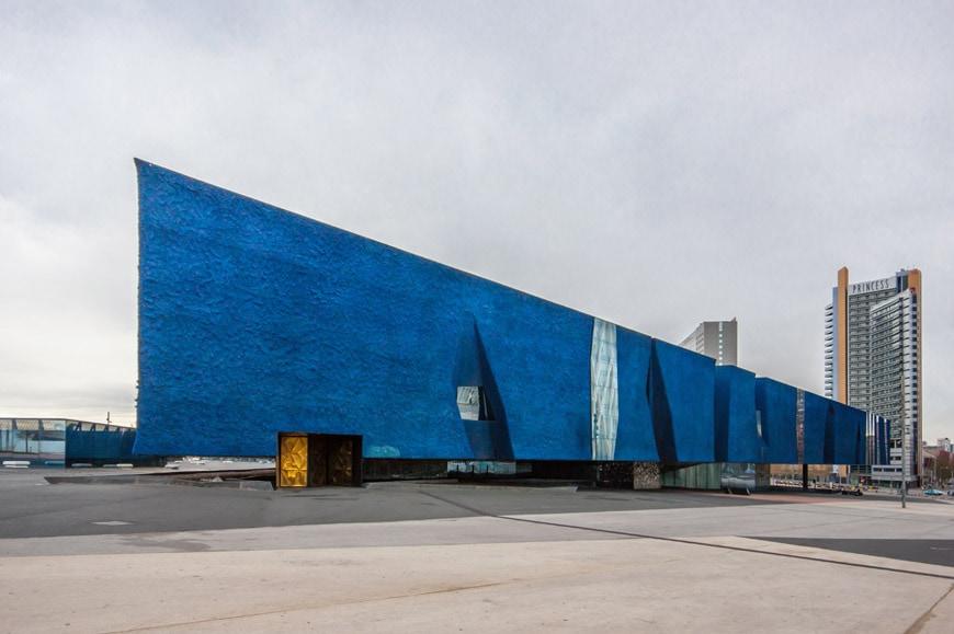 Museu-Blau-Natural-History-Museum-Barcelona-Herzog-de-Meuron-exterior-Inexhibit-01