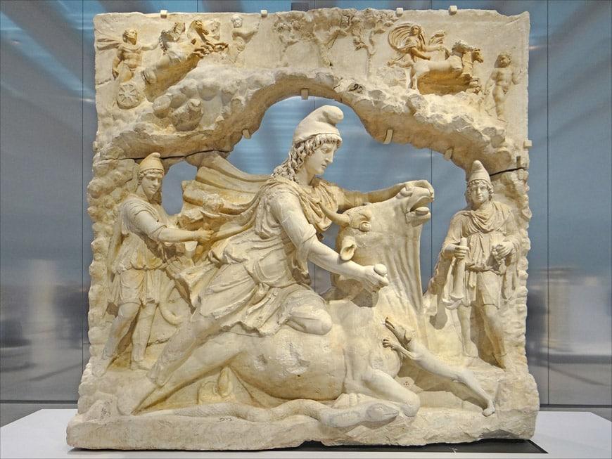 Scultura Romana di Mitra Musée du Louvre-Lens
