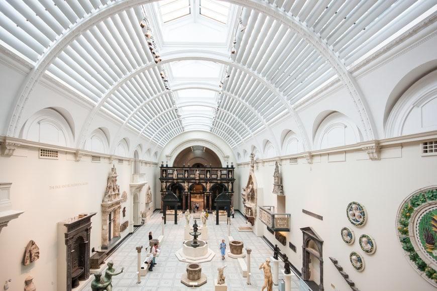 Victoria-and-Albert-Museum-London-Inexhibit-02