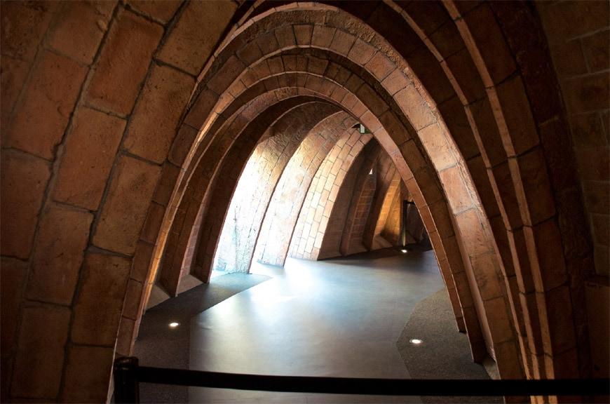 Barcelona-Casa-Milà-La-Pedrera-Antoni-Gaudí-Joe-Nestlerode-attico