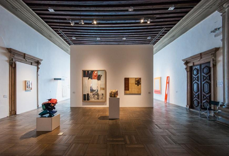 Ca-Pesaro-modern-art-museum-Venice-Inexhibit-10