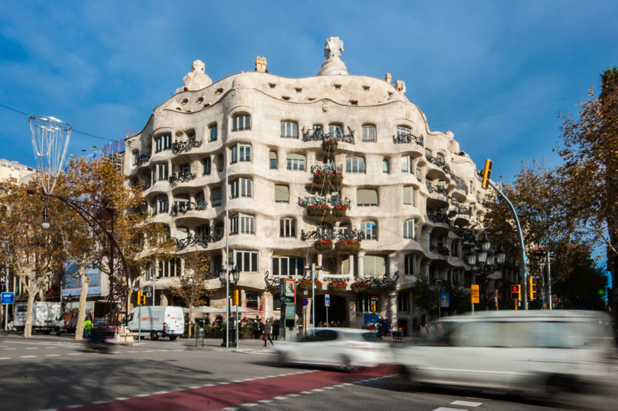 Casa Milà La Pedrera Barcelona Antoni Gaudí