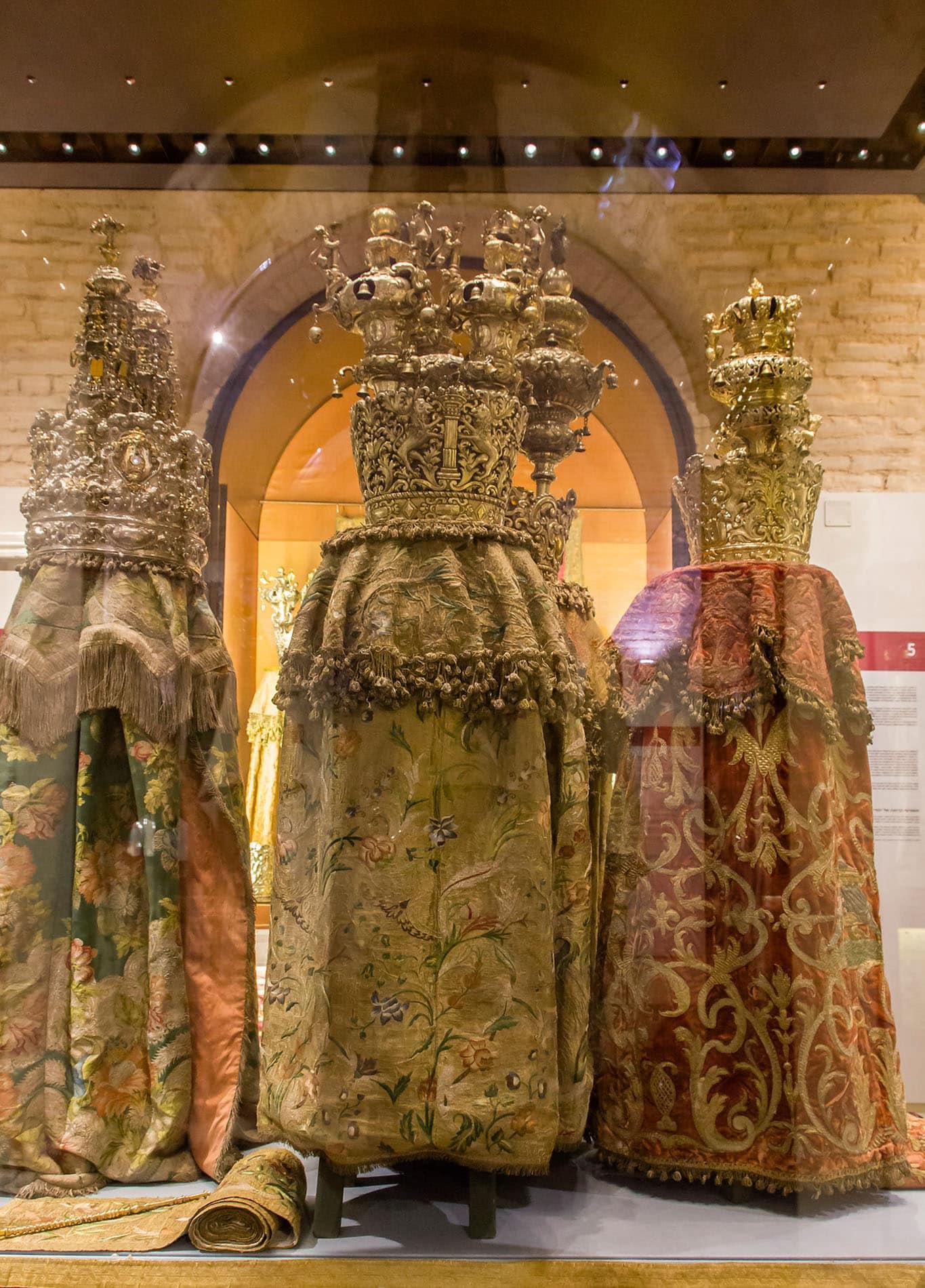 Vestiti rituali Museo Ebraico di Roma