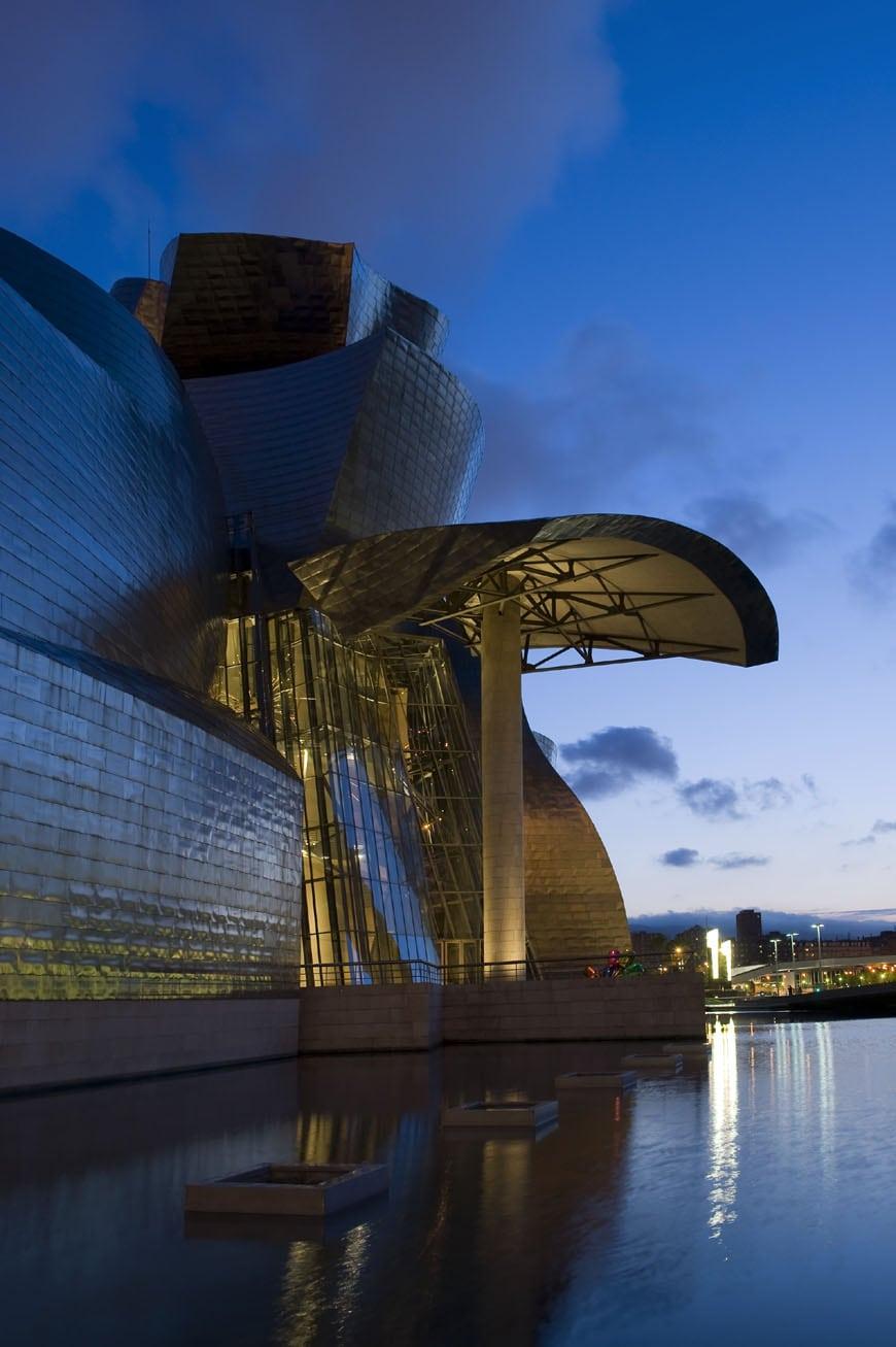 Guggenheim Bilbao Frank Gehry exterior 11