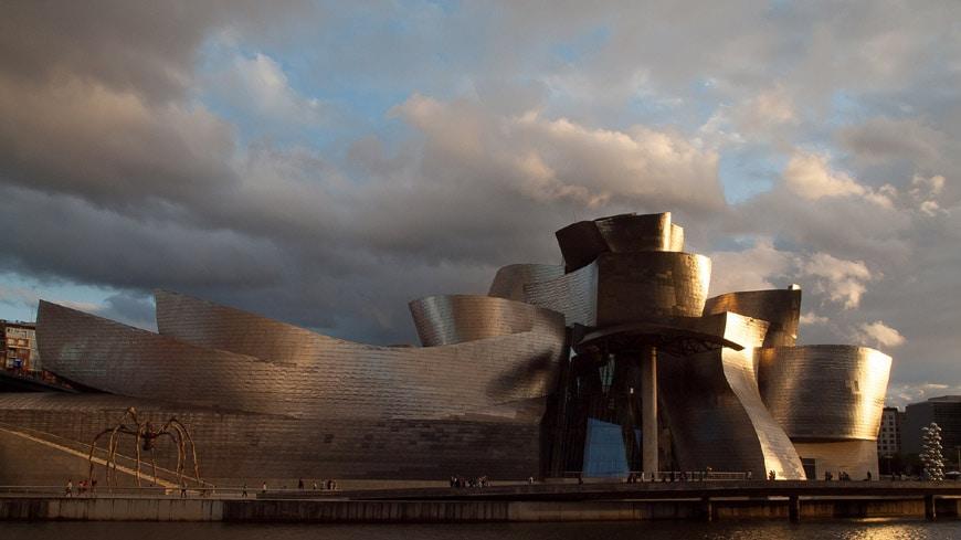 Guggenheim Bilbao Frank Gehry exterior 17