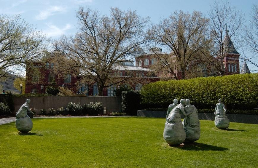 Hirshhorn-museum-sculpture garden 03