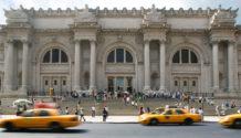 MET Metropolitan Museum of Art New York facade on Fifth avenue