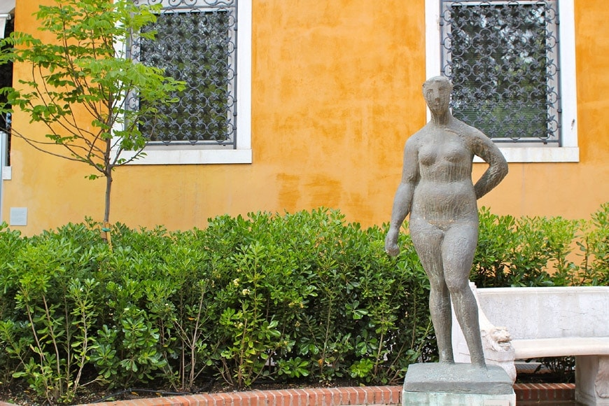 peggy guggenheim collection garden venice 05
