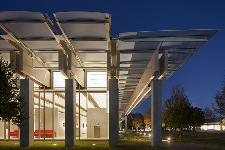 kimbell-art-museum-fort-worth-renzo-piano-pavilion-exterior-2