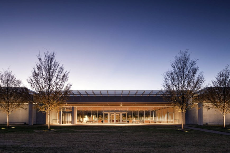 kimbell-art-museum-fort-worth-renzo-piano-pavilion-exterior-4