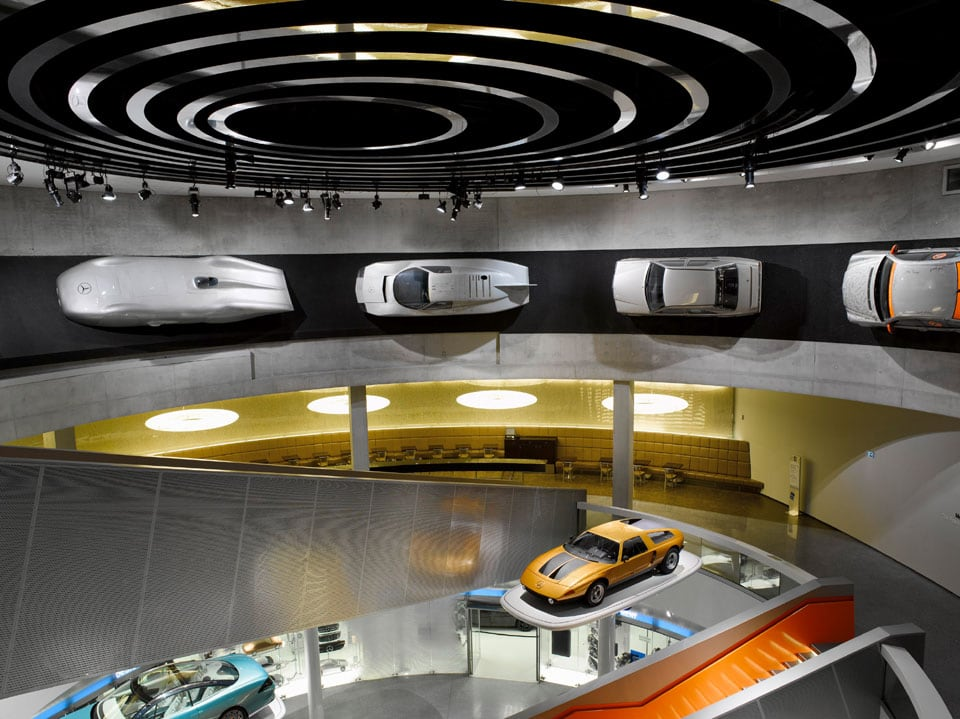 Mercedes-Benz museum Stuttgard galleries 01