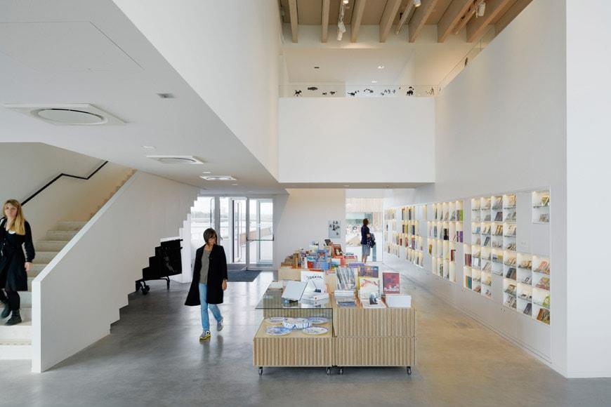 Umeaa-bildmuseet-bookshop-HL