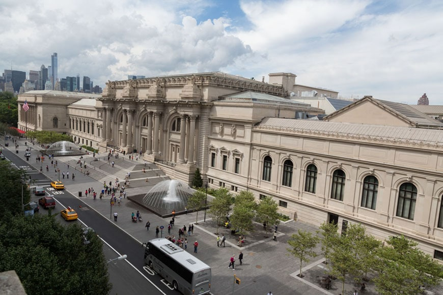 New york met museum 39 s new koch plaza for Metropolitan museum of art in new york