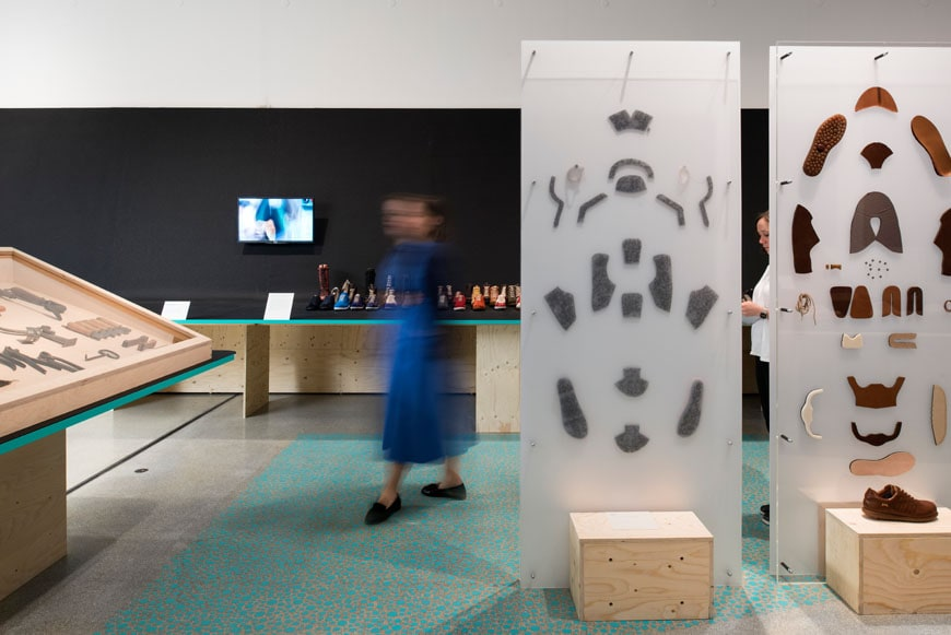 Life-on-Foot-Exhibition-Design-Museum-London-06