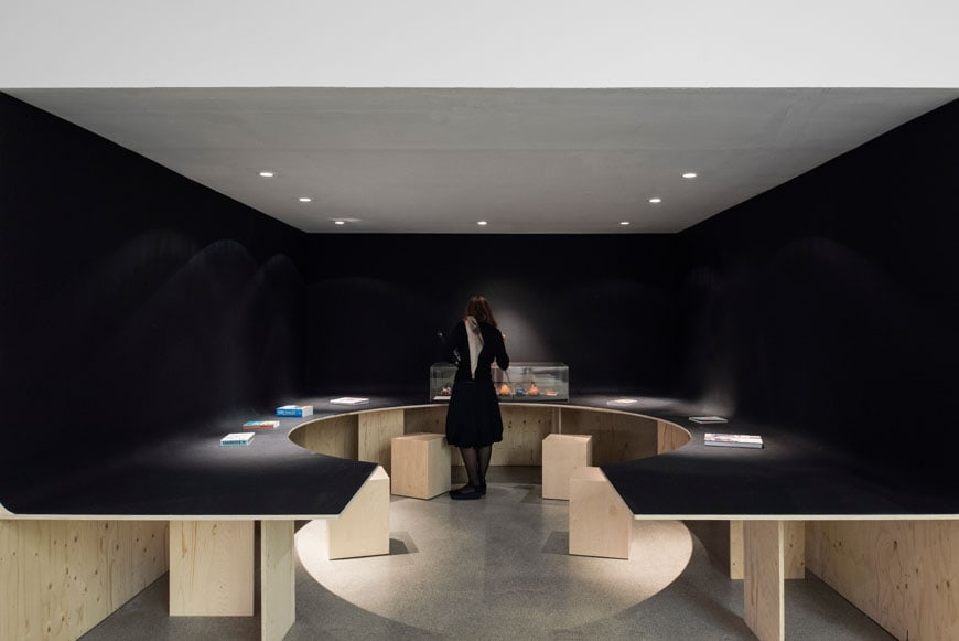 Life-on-Foot-Exhibition-Design-Museum-London-07