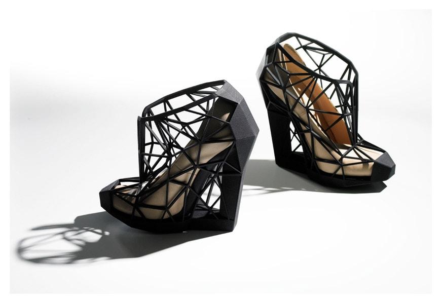 Victoria & Albert-shoes-pleasure-pain-A-Chaves-2011
