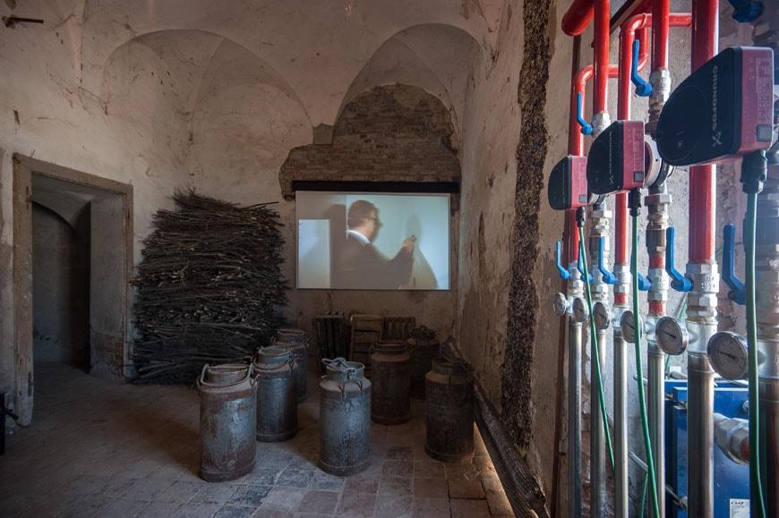 Shit-Museum-Luis-Bunuel-film-01-inexhibit