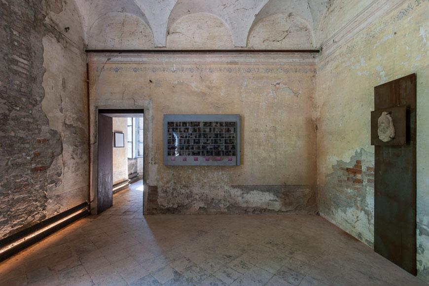 Museo-Merda-Michael-Badura-Wasser-02-inexhibit