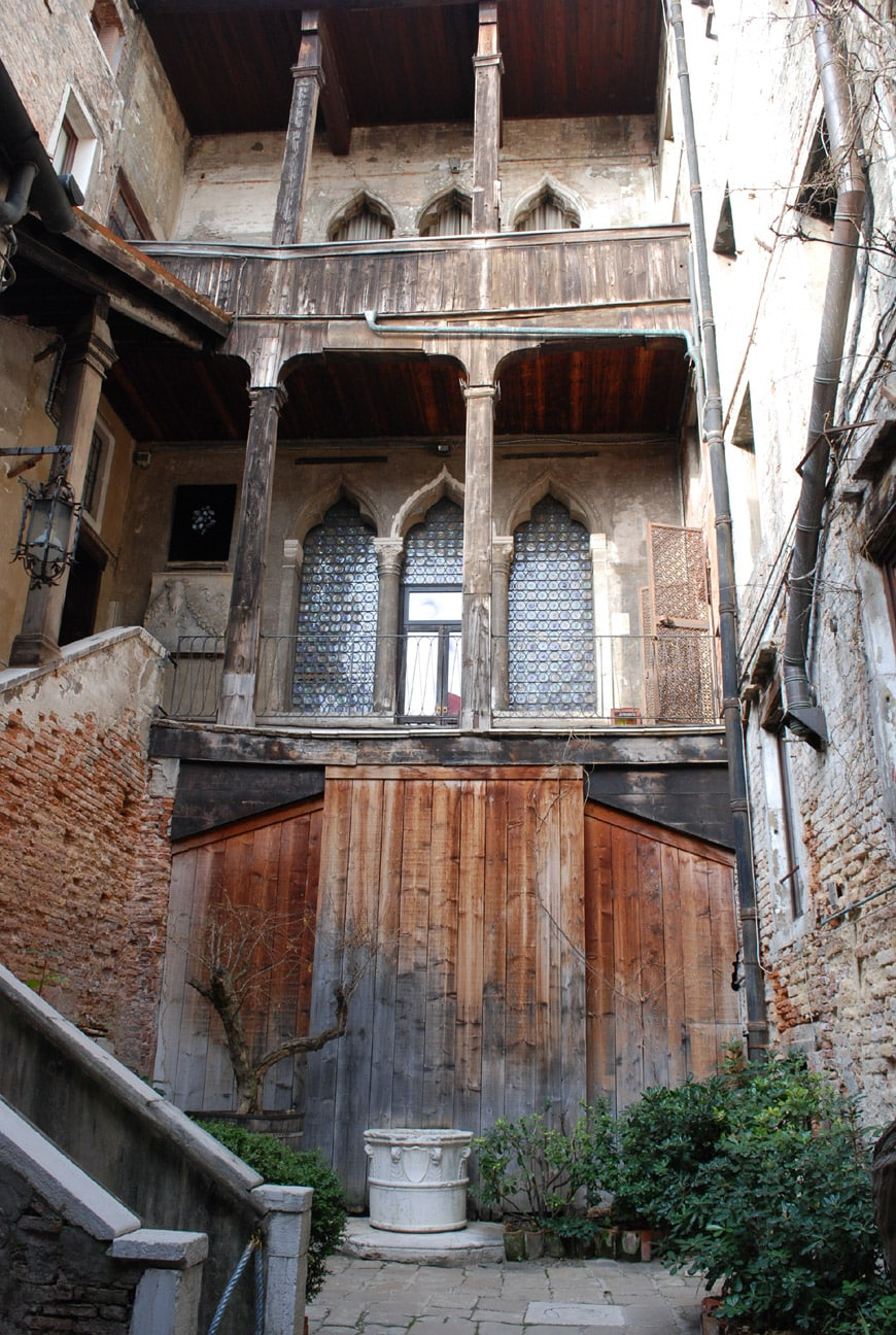 Venezia-palazzo Fortuny-cortile