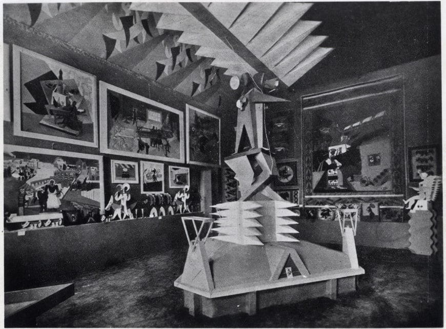 Biennale-Monza-1923-sala futurista