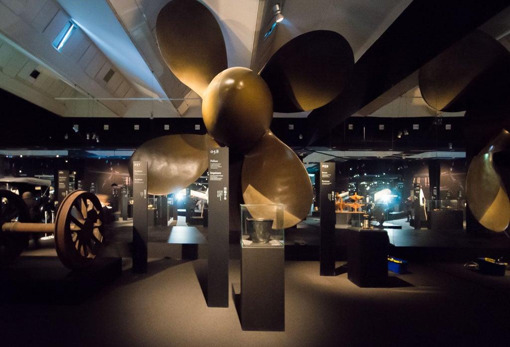 Tàu cánh quạt Neo Triển lãm thời tiền sử Branzi Hara 21 Triennale Milan 06