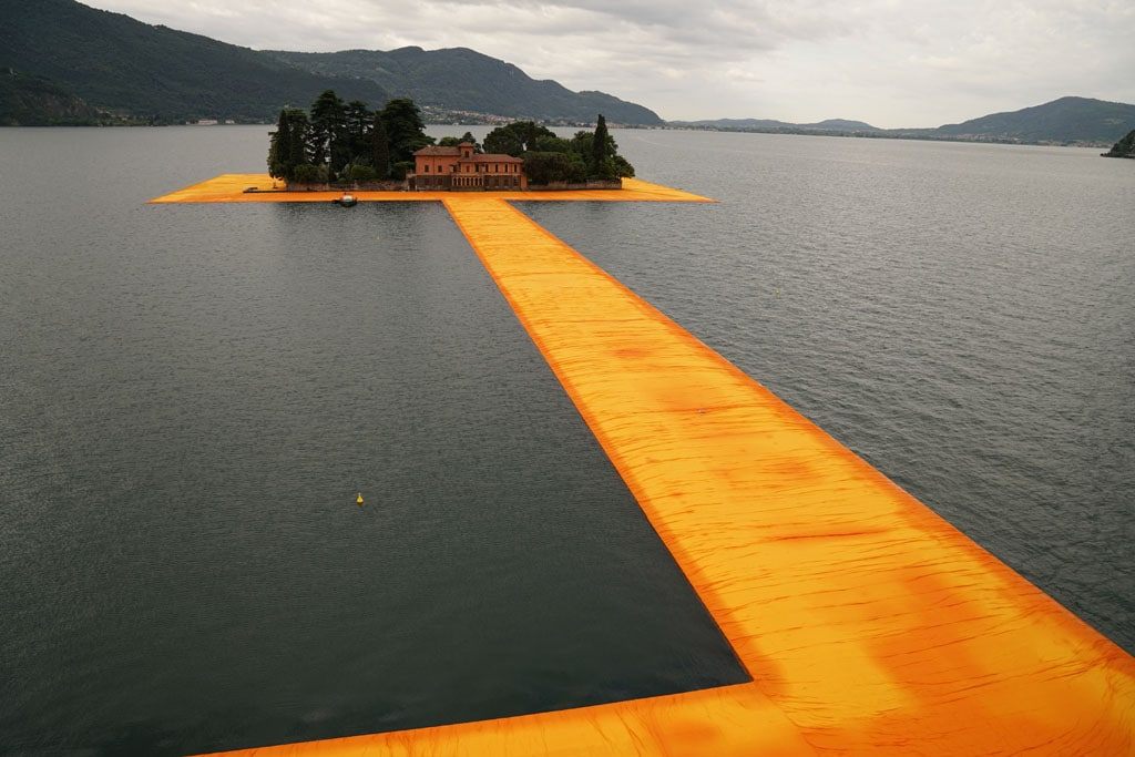 Christo artwork Lake Iseo 2016 The Floating Piers 01