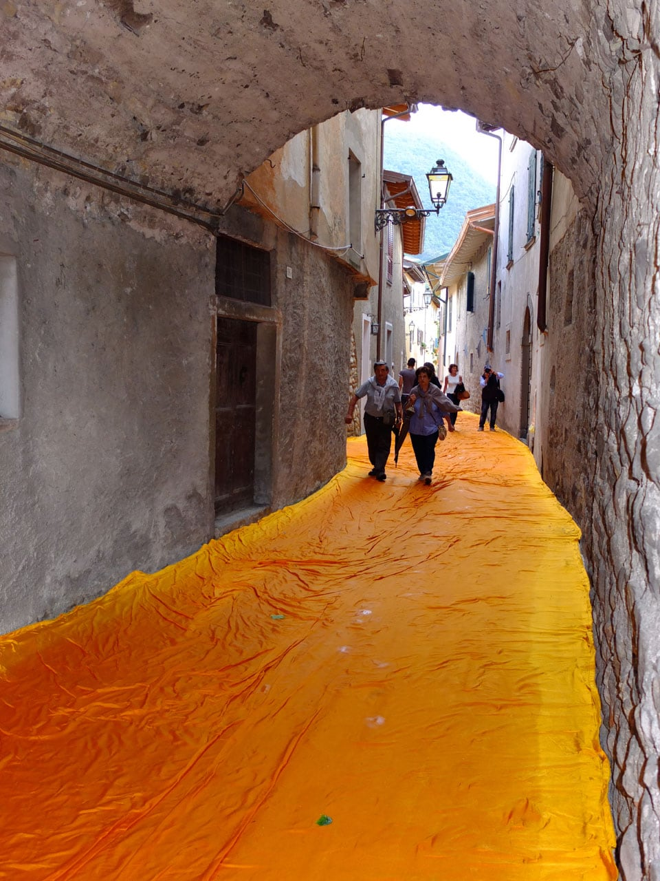 Christo artwork Lake Iseo 2016 The Floating Piers 02