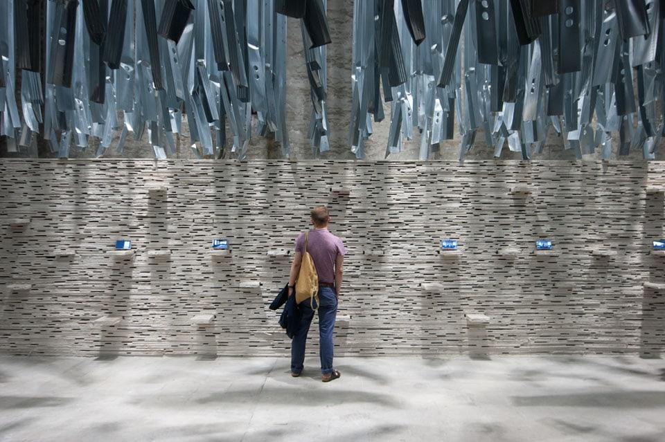 Alejandro-Aravena-installation-Arsenale-Biennale-Venice-Inexhibit-02
