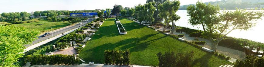 Musee Arles Antique garden 2