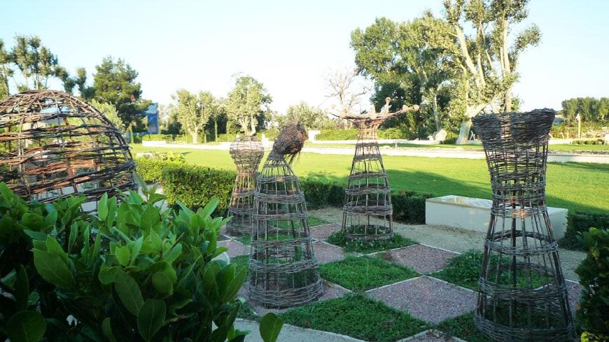 Musee Arles Antique garden