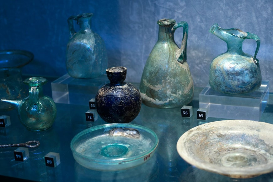 Musee-Arles-Antique-glass-vases