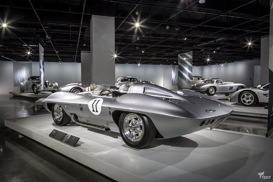 Petersen Automotive Museum Los Angeles 03