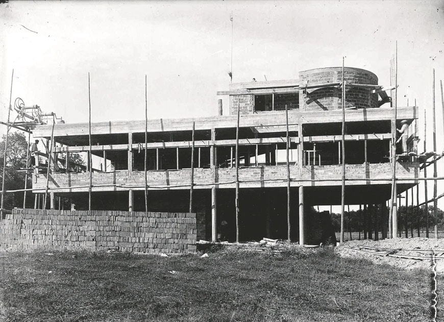 Villa Savoye Le Corbusier Poissy under constuction