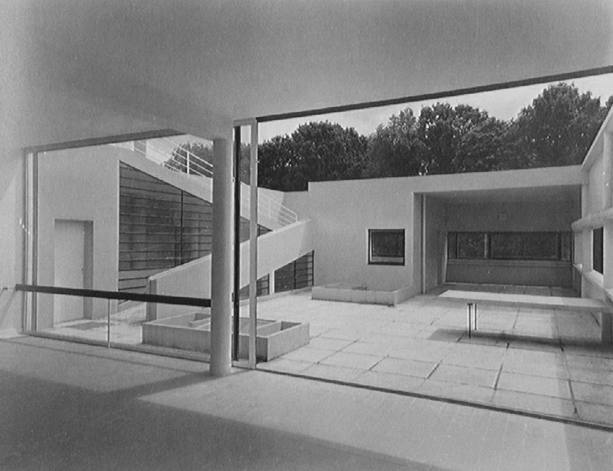 Villa Savoye Poissy Le Corbusier terrace photo 1929