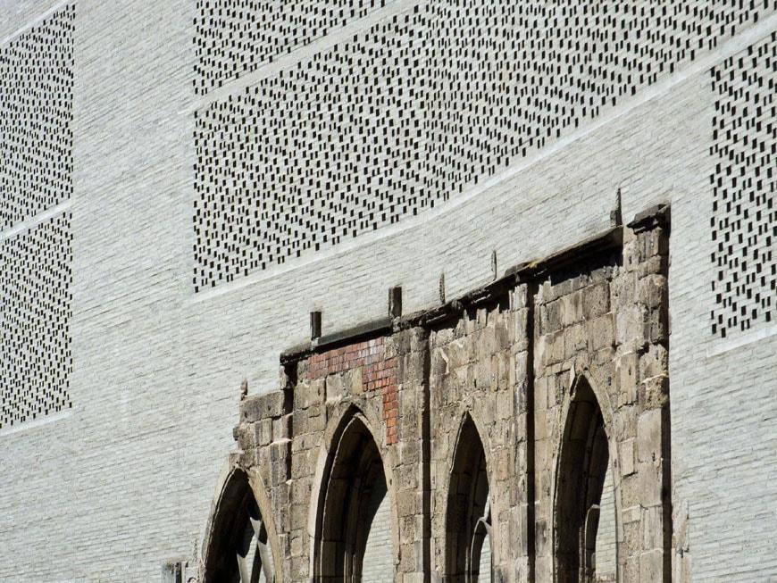 kolumba-museum-koln-zumthor-facade-detail