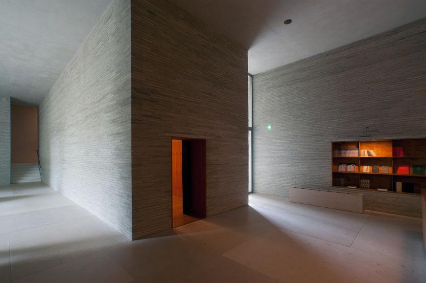 kolumba-museum-koln-interior-08