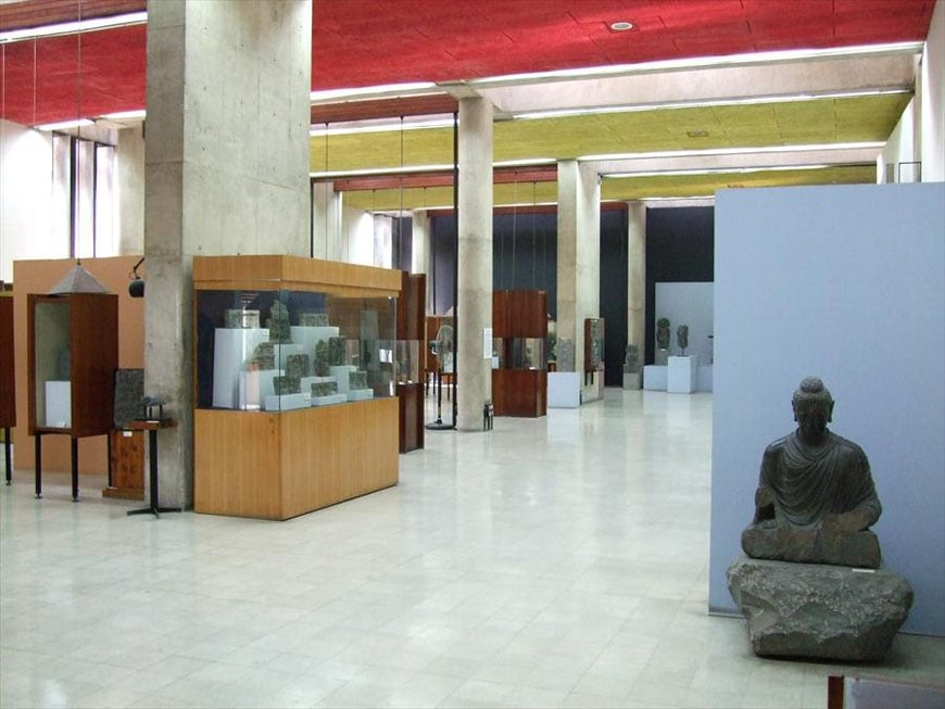 government-museum-art-gallery-chandigarh-le-corbusier-1