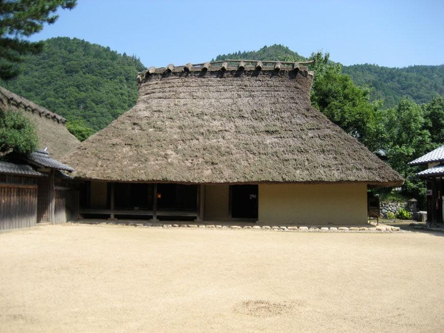 hakogike-one-thousand-years-wood-house-japan