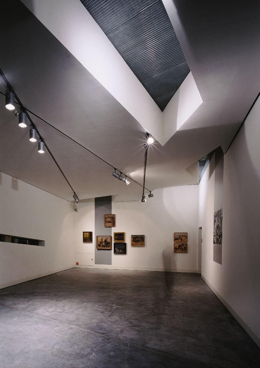 Felix-Nussbaum-Haus-Daniel-Libeskind-interior-03