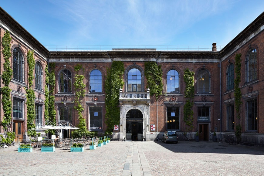 kunsthal-charlottenborg-copenhagen-exterior-1