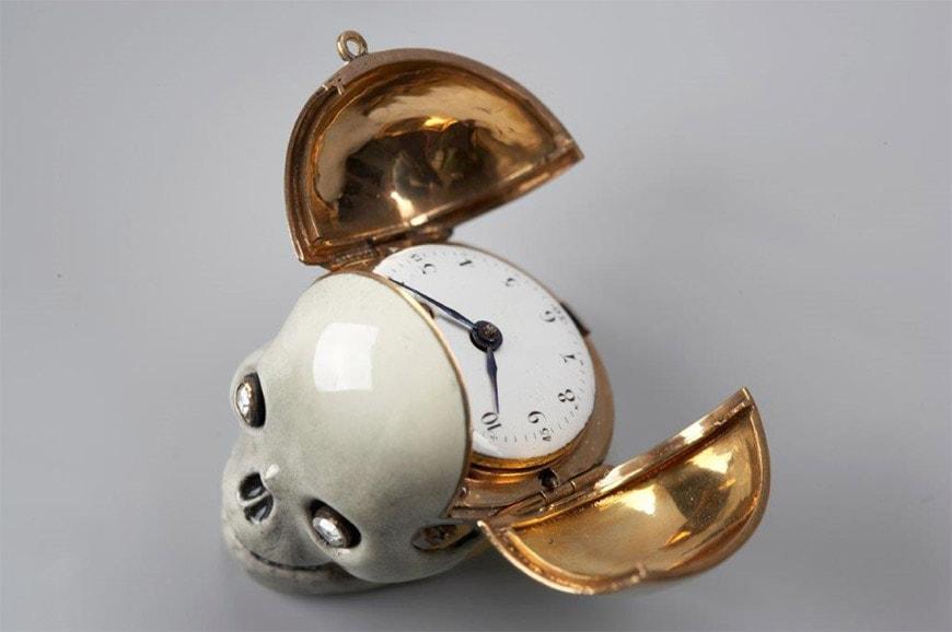 telling-time-Cid-memento mori