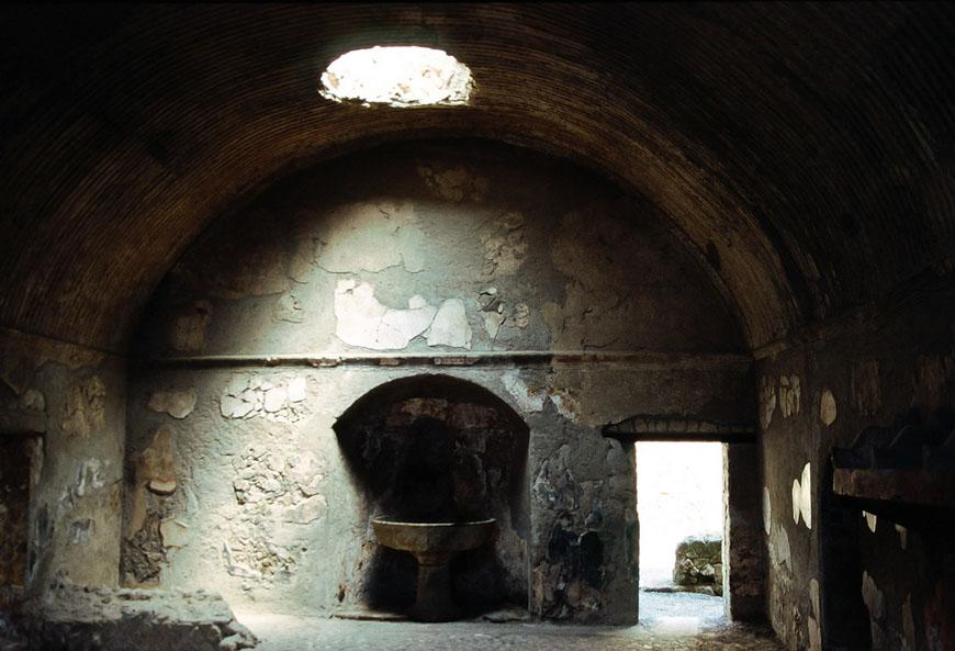 Herculaneum-archaeological-site-Scavi-di-Ercolano-07